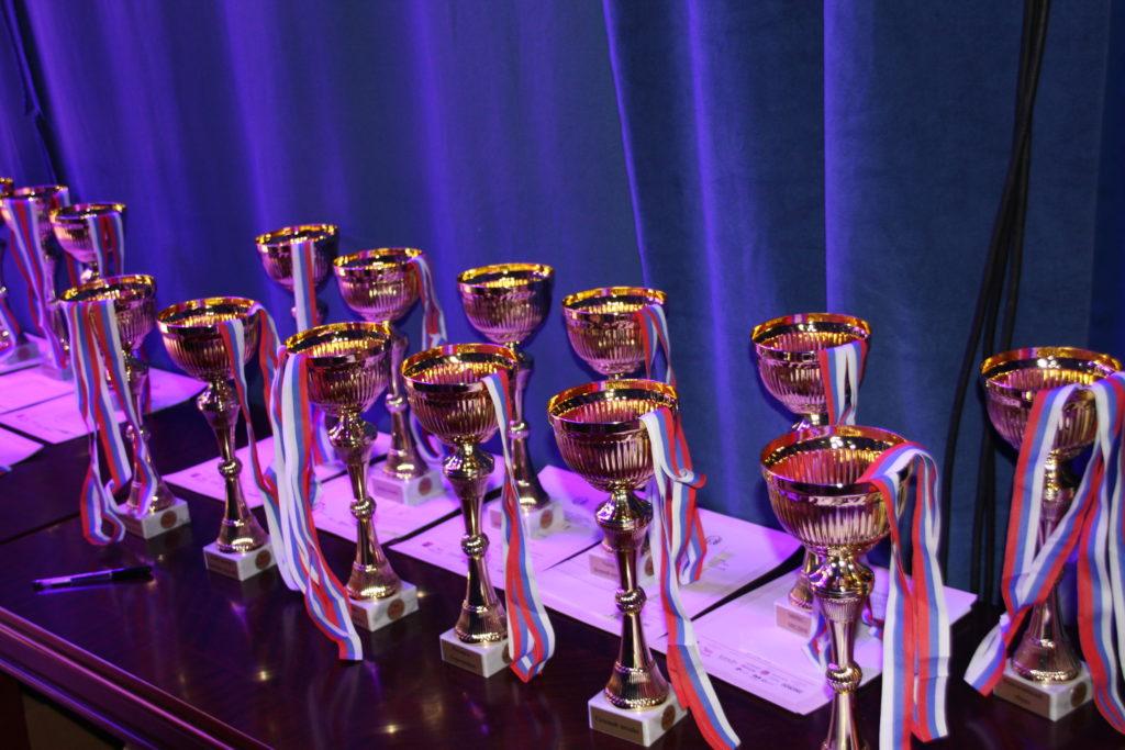 XXIV Чемпионат РОССИИпо парикмахерскому искусству, декоративной косметике, моделированию и дизайну ногтей.